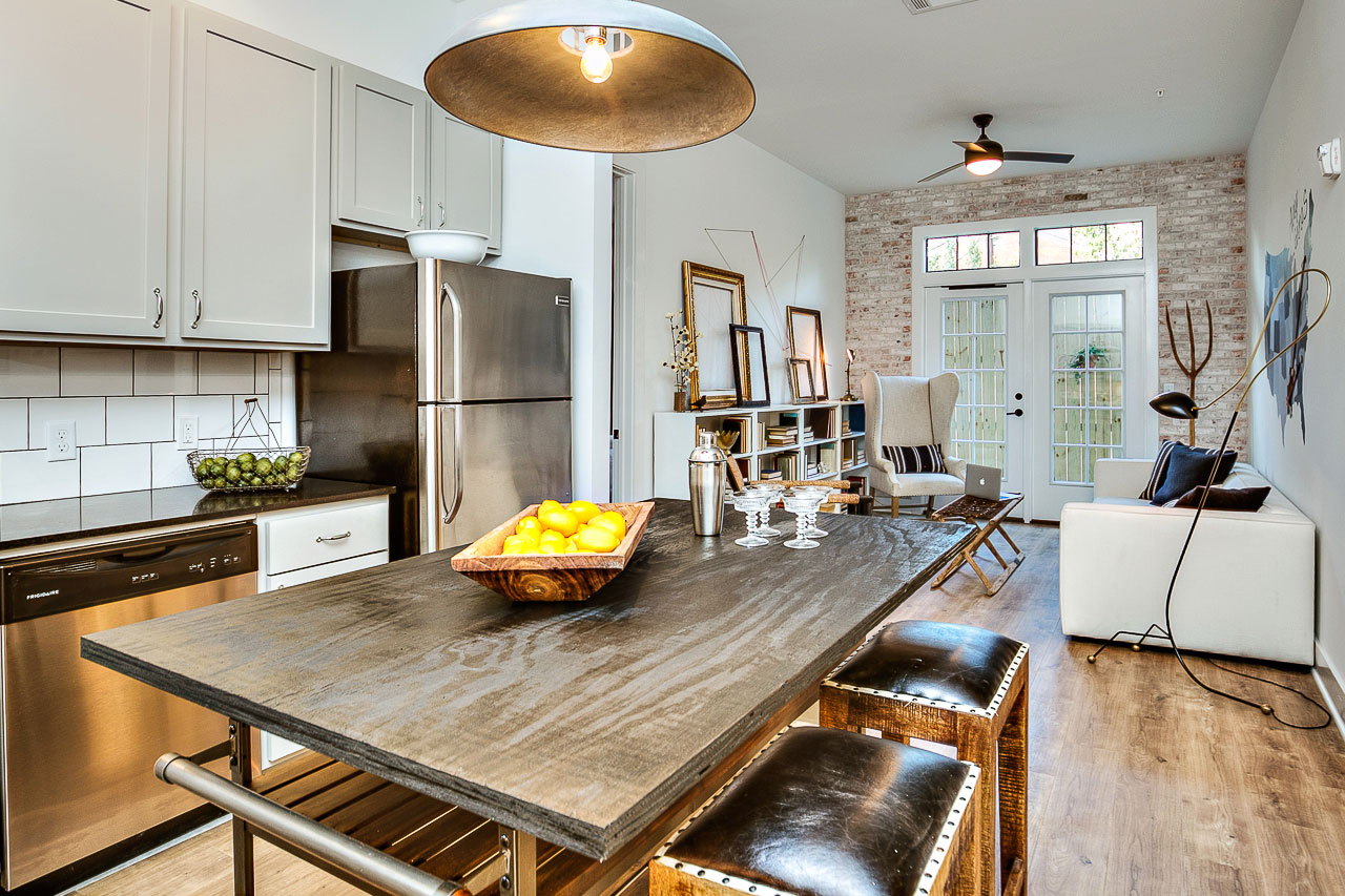 Fresh College Campus Loft at Baton Rouge by Kenneth Brown Design-07