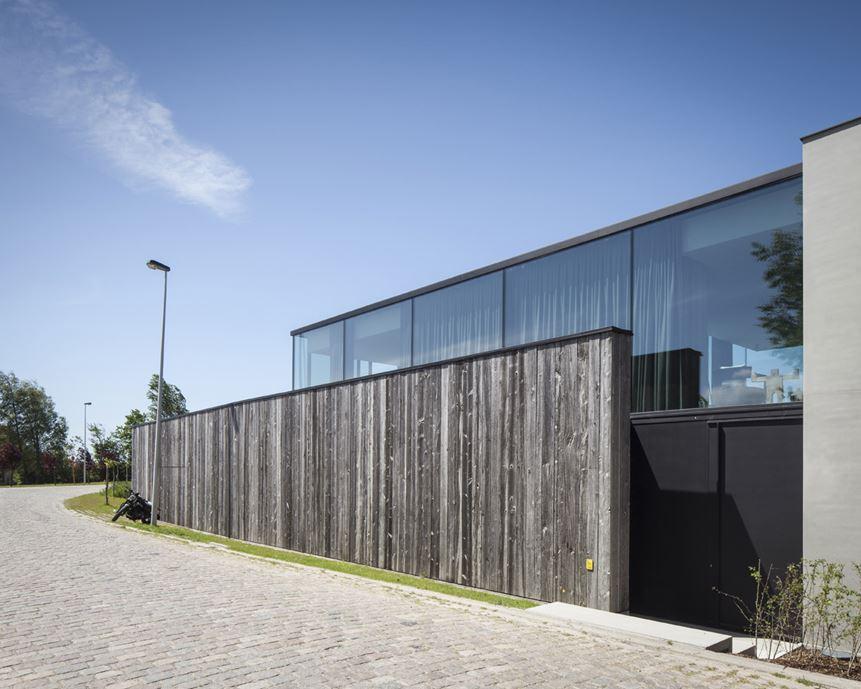 Graafjansdijk Residence by Govaert & Vanhoutte Architects-03
