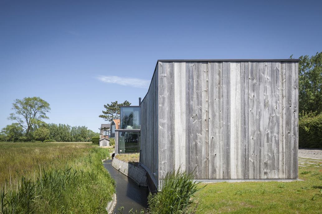 Graafjansdijk Residence by Govaert & Vanhoutte Architects-05
