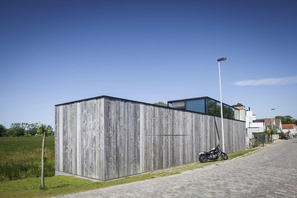 Graafjansdijk Residence by Govaert & Vanhoutte Architects-07