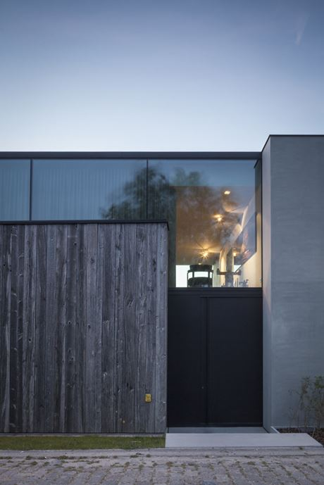 Graafjansdijk Residence by Govaert & Vanhoutte Architects-26