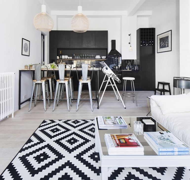 Hackney Apartment in London by Laura Lakin Design-01