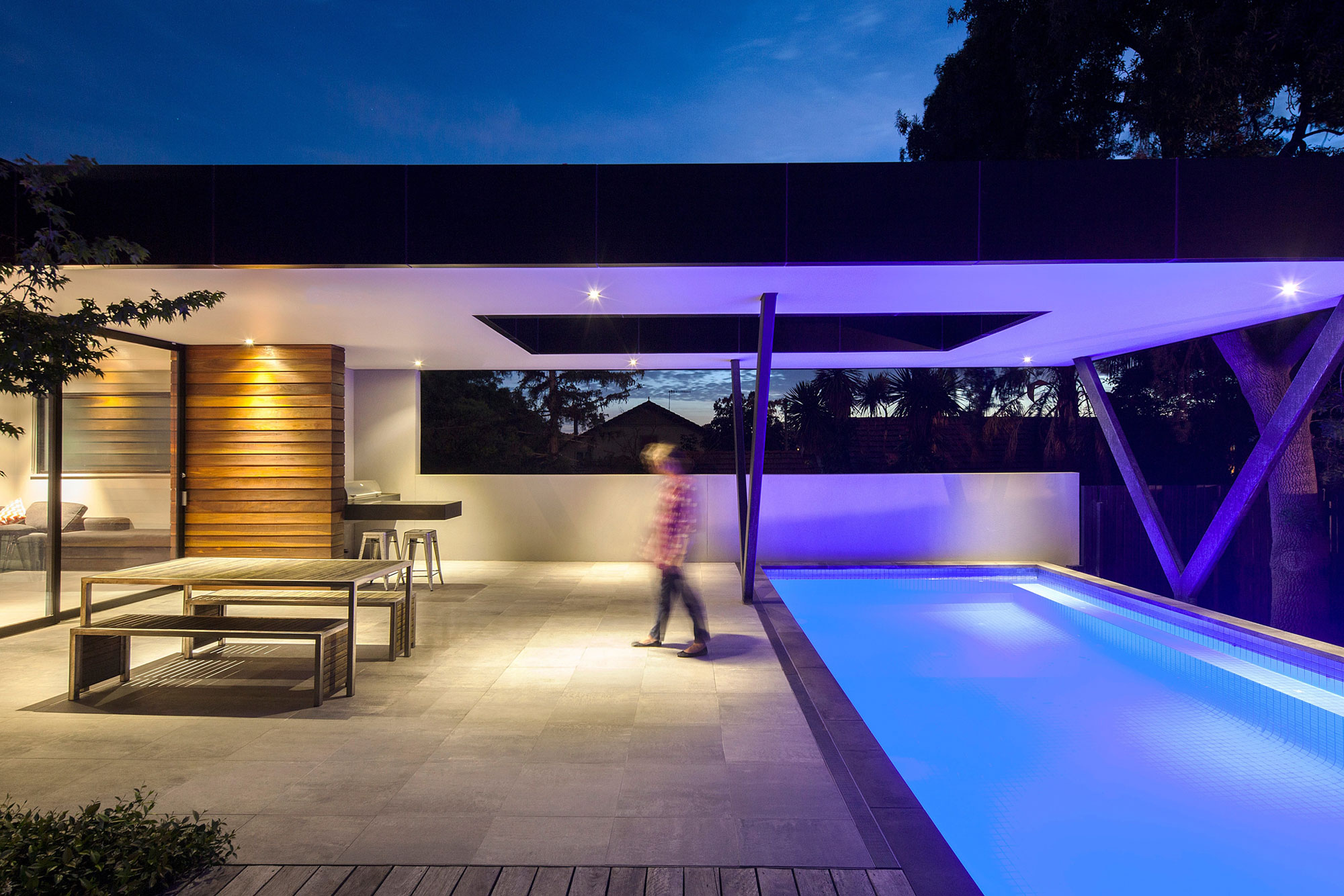 Hawthorn Home Stretches Out Around a Soccer Pitch and Pool by Pleysier Perkins-10