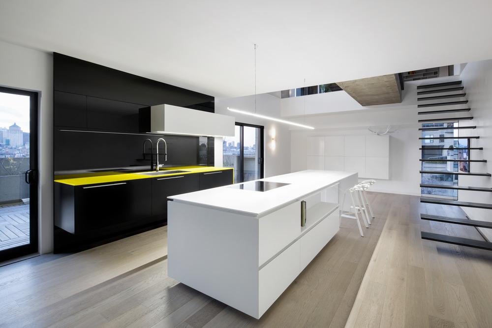 Iconic Moshe Safdie Habitat 67 by Studio Practice-05