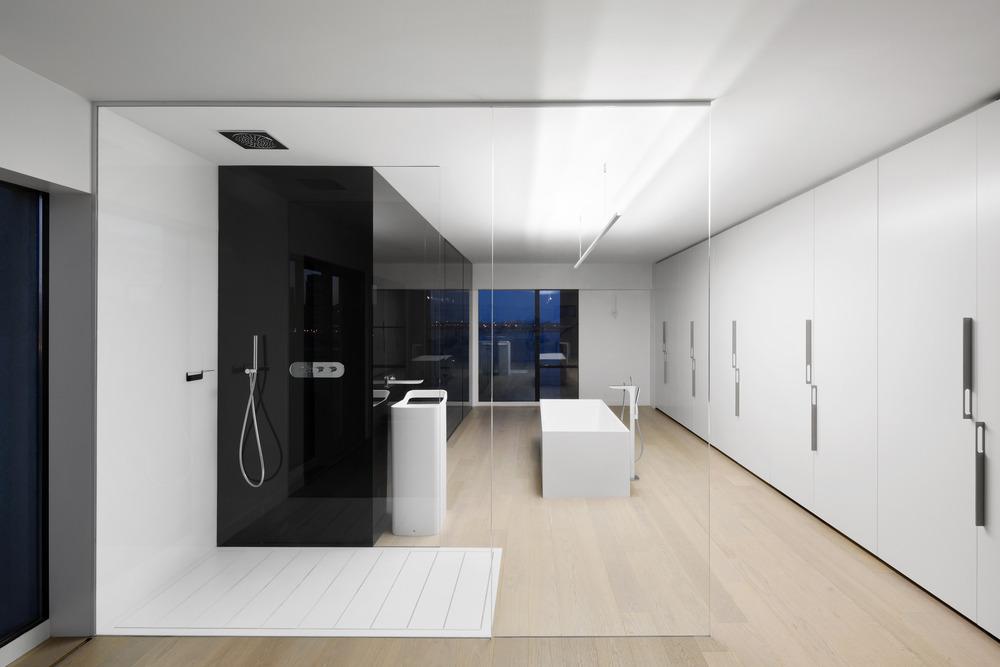 Iconic Moshe Safdie Habitat 67 by Studio Practice-07