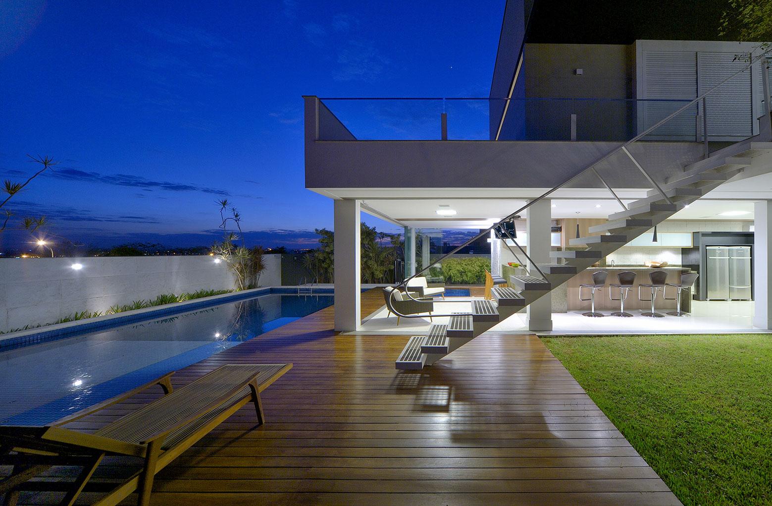 Jabuticaba House Residence Pourpose of Surrounding a Beloved Tree by Raffo Arquitetura-10