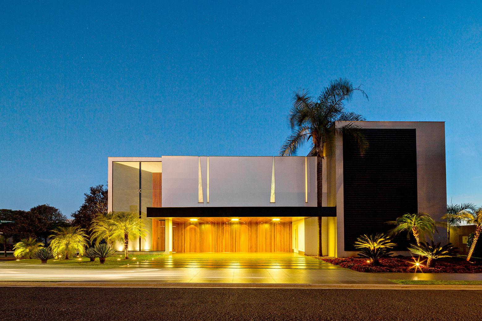 Jabuticaba House Residence Pourpose of Surrounding a Beloved Tree by Raffo Arquitetura-14