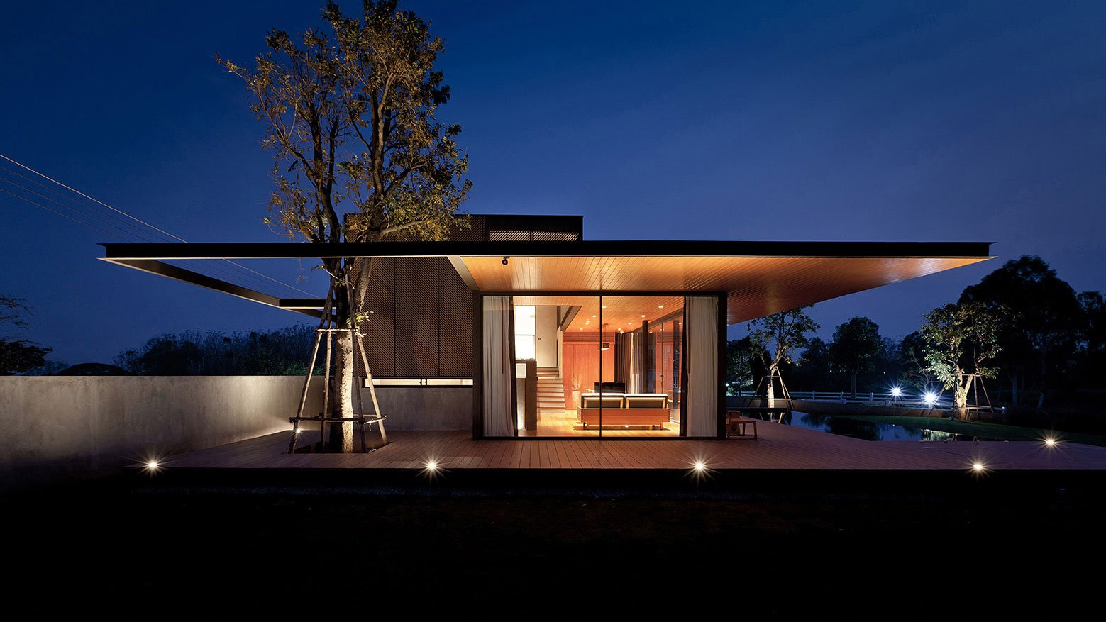 KA Modern house by night