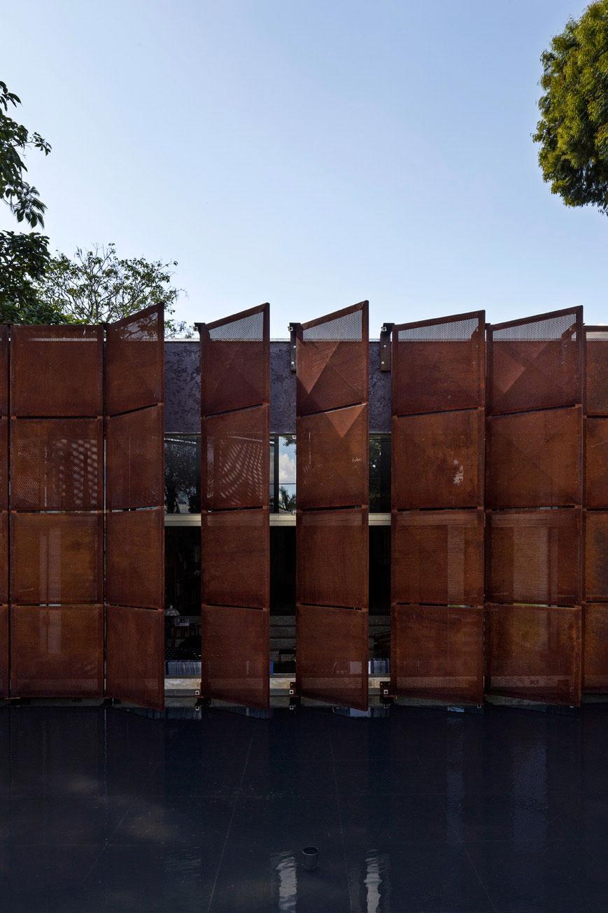 L shape BLM House by ATRIA Arquitetos-05