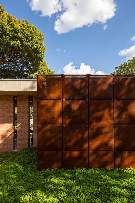 L shape BLM House by ATRIA Arquitetos-07