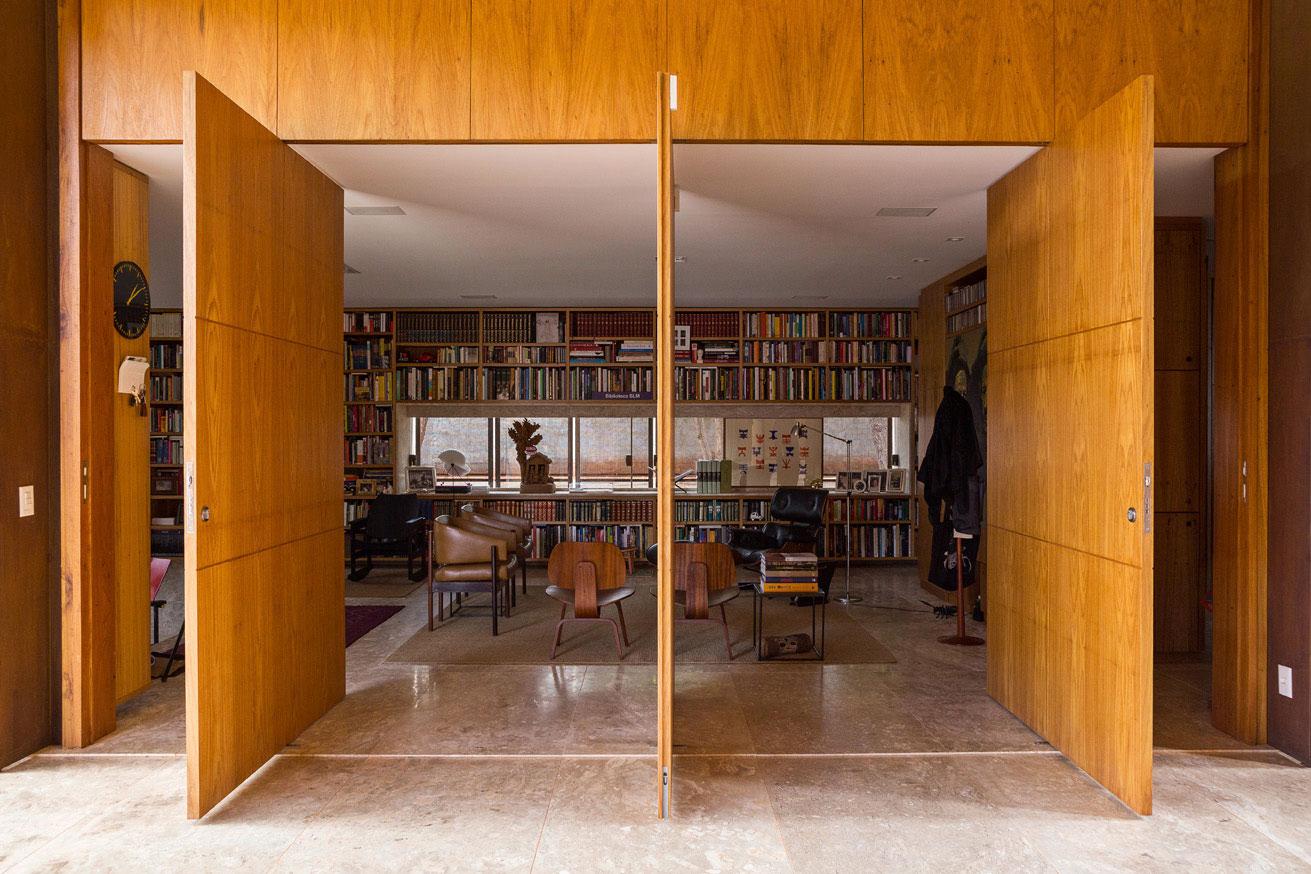 L shape BLM House by ATRIA Arquitetos-10