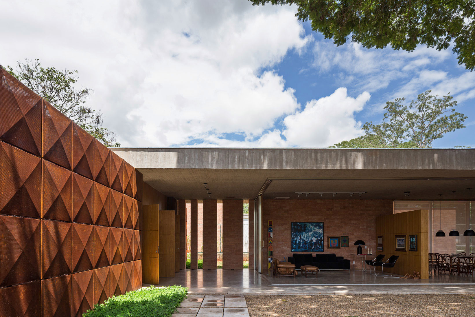 L shape BLM House by ATRIA Arquitetos-11