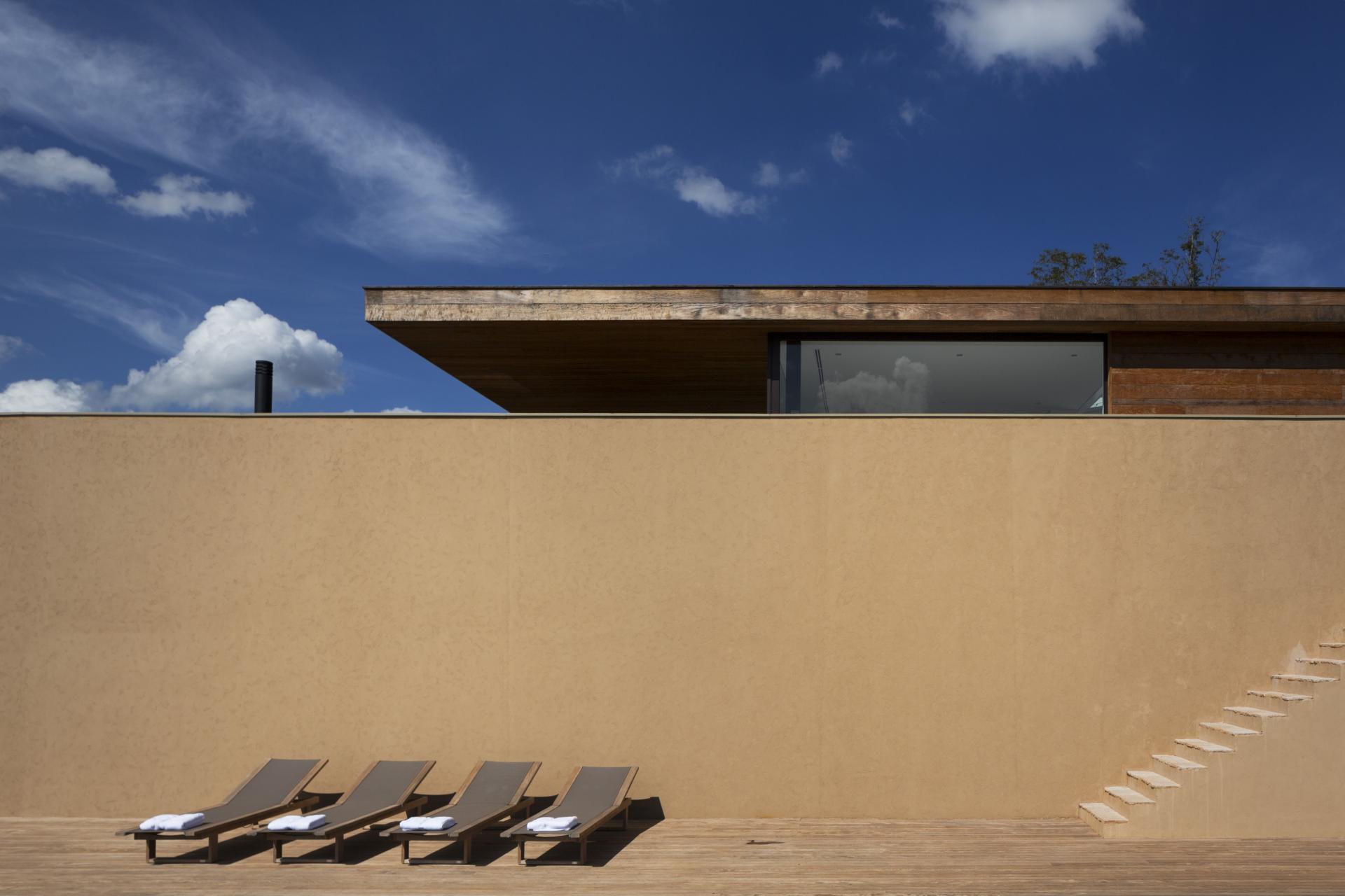 L shape ITU house near Sao Paulo by Studio Arthur Casas-03