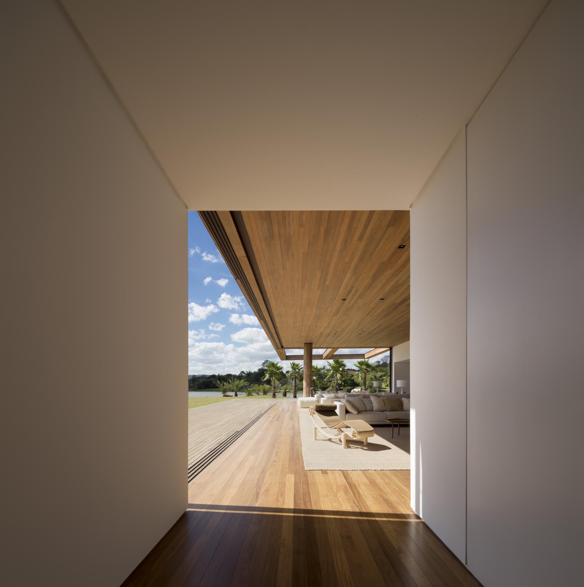 L shape ITU house near Sao Paulo by Studio Arthur Casas-08