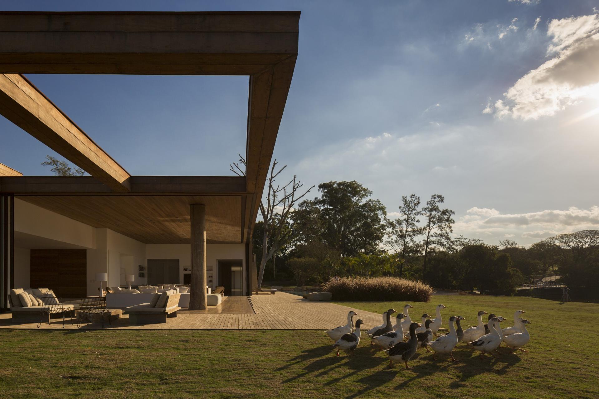 L shape ITU house near Sao Paulo by Studio Arthur Casas-13