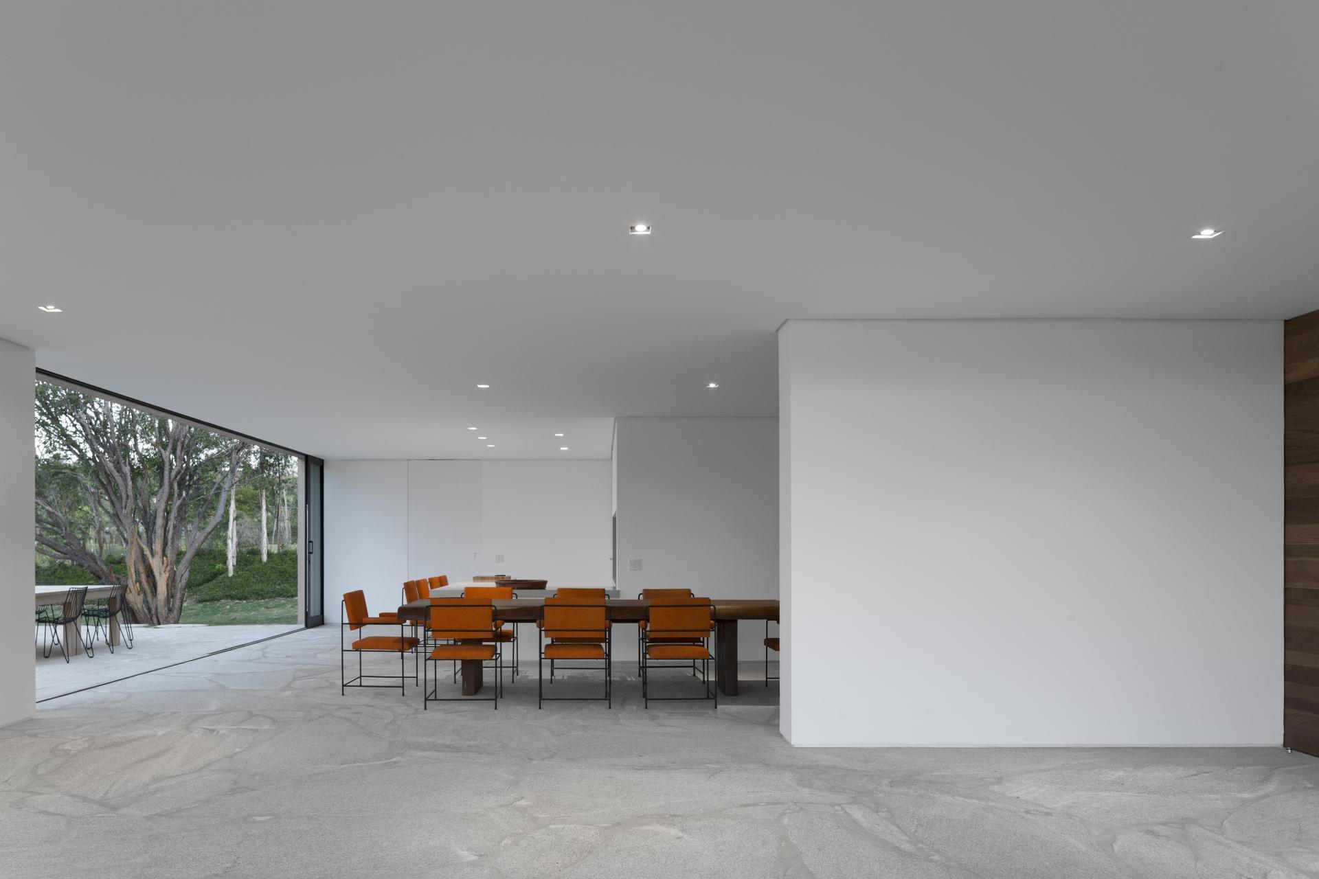 L shape ITU house near Sao Paulo by Studio Arthur Casas-17