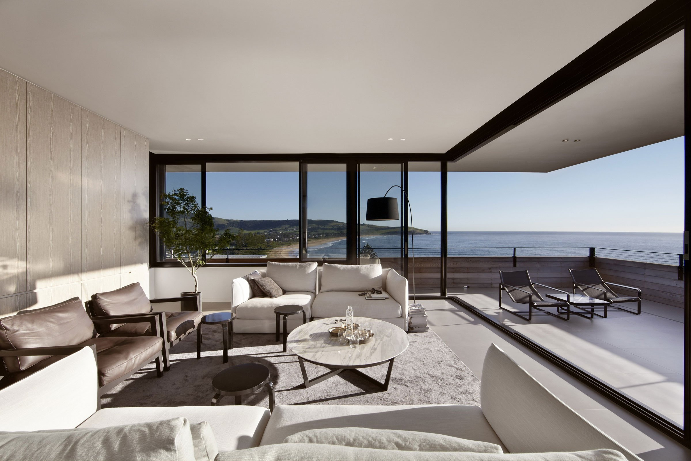 Lamble modern beach house with 270 views of the ocean by for Beach house design contemporary