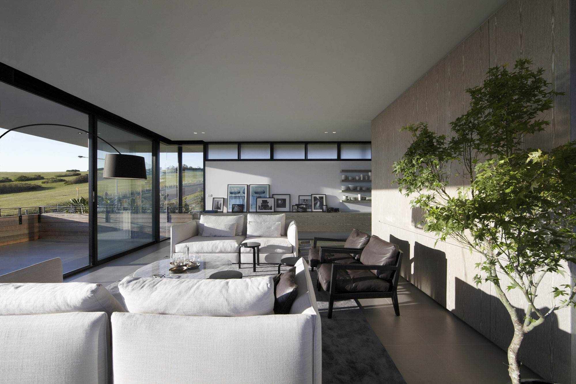 Lamble Modern Beach House with 270 Views of the Ocean by Smart Design Studio-10
