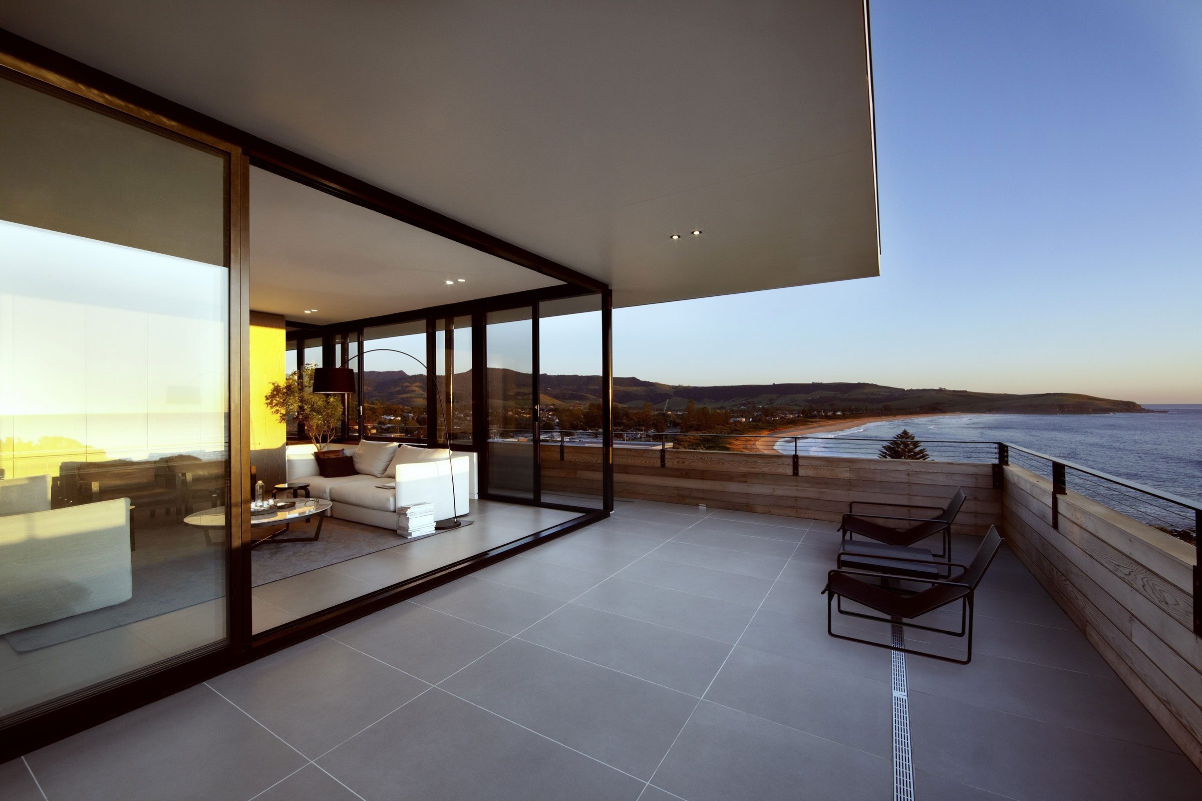 Lamble Modern Beach House with 270 Views of the Ocean by Smart Design Studio-19
