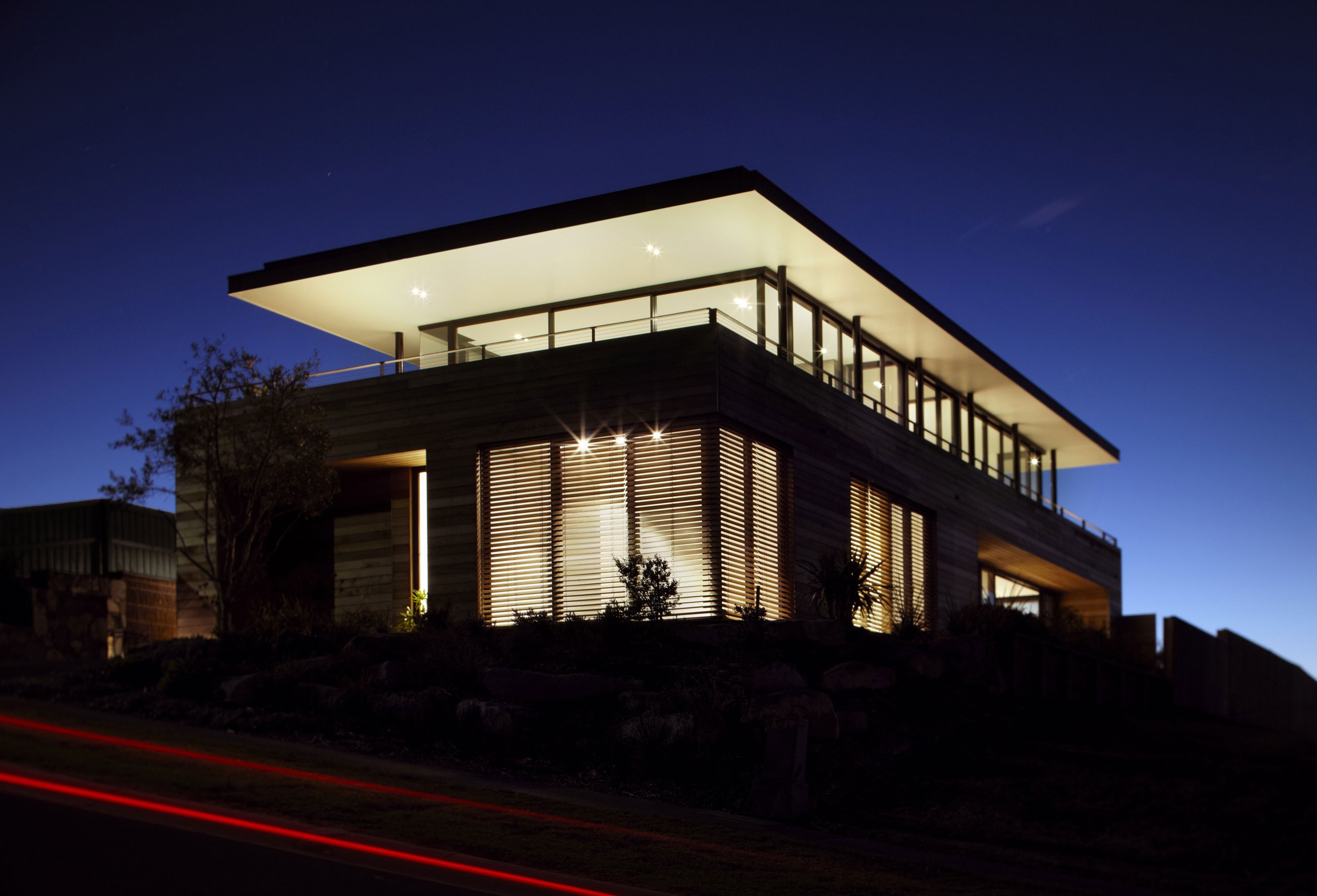 Lamble Modern Beach House with 270 Views of the Ocean by Smart Design Studio-21