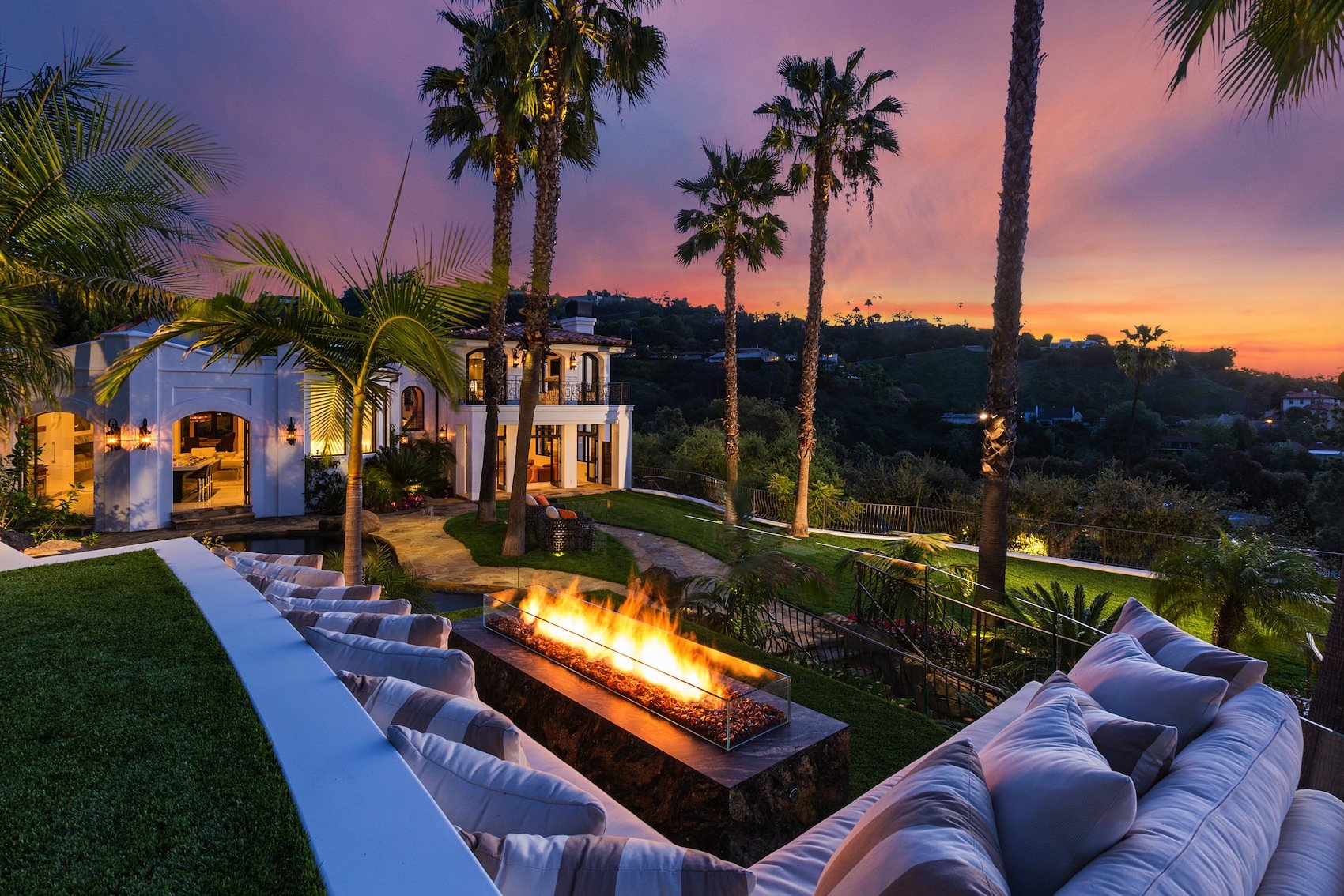Mediterranean Style 10048 Cielo Drive Residence In Beverly