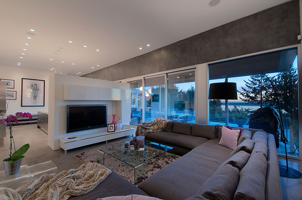 Modern Almondel Home Located in West Vancouver by Mcleod Bovell-14