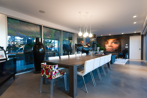 Modern Almondel Home Located in West Vancouver by Mcleod Bovell-15