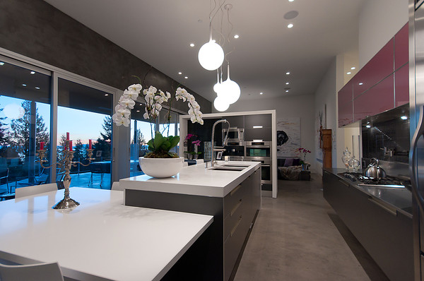 Modern Almondel Home Located in West Vancouver by Mcleod Bovell-16