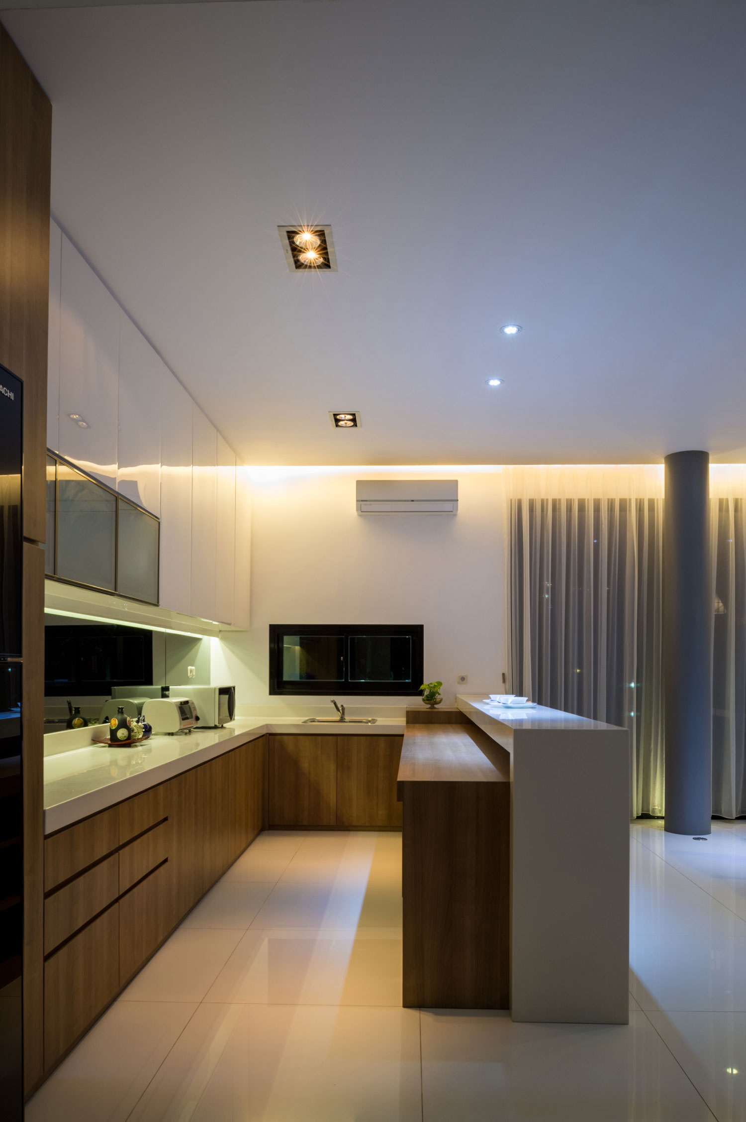 Modern D+S House Located in Jakarta by DP+HS architects-09