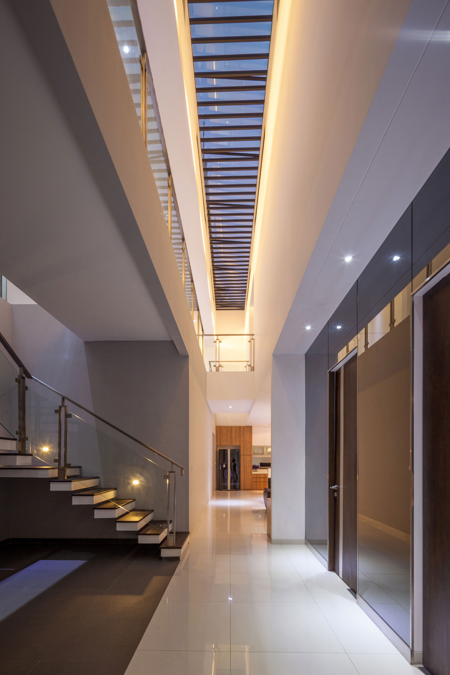 Modern D+S House Located in Jakarta by DP+HS architects-11