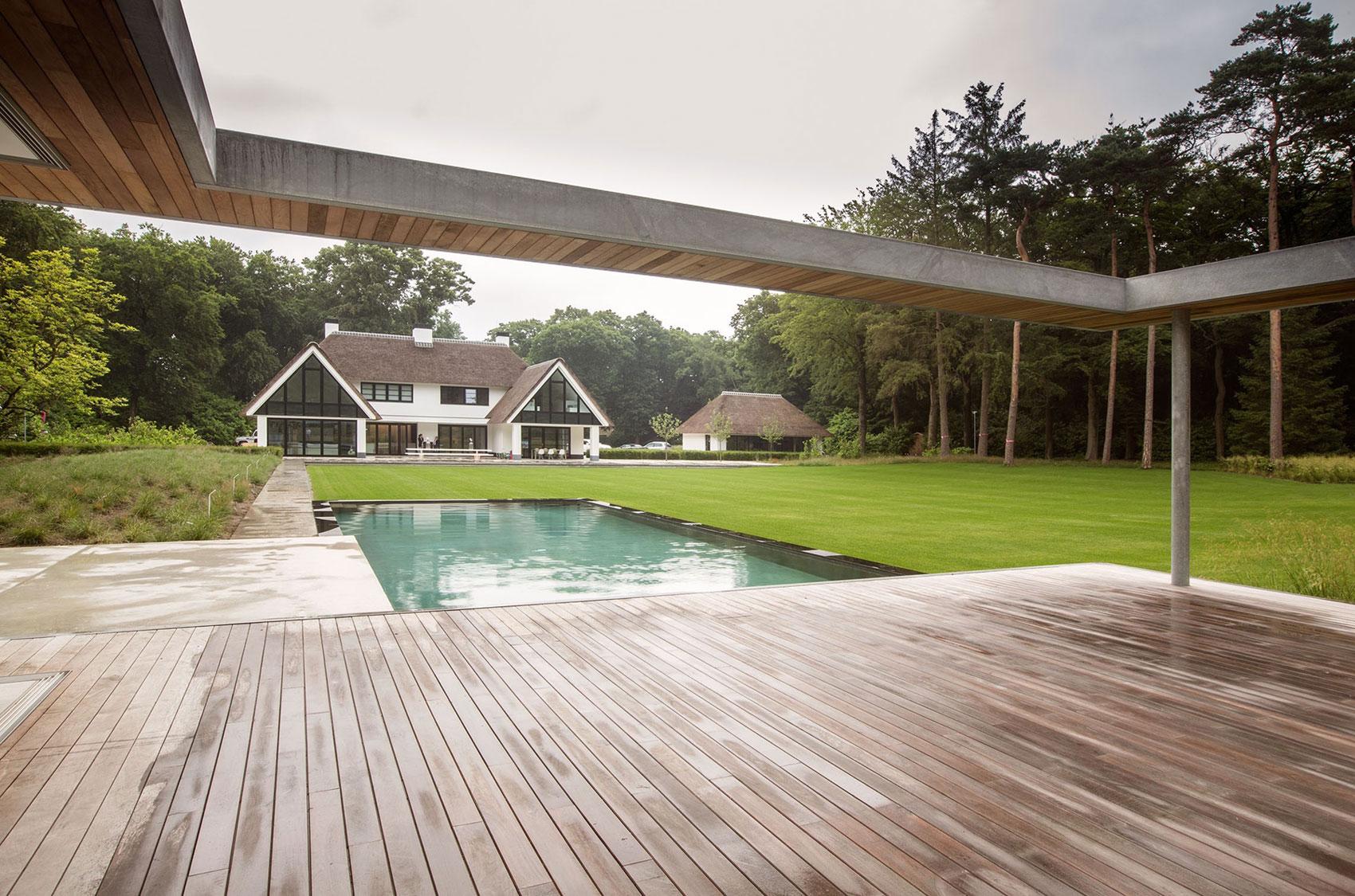 Modern Huizen Country House Located in a Quiet Rural Setting by De Brouwer Binnenwerk-03