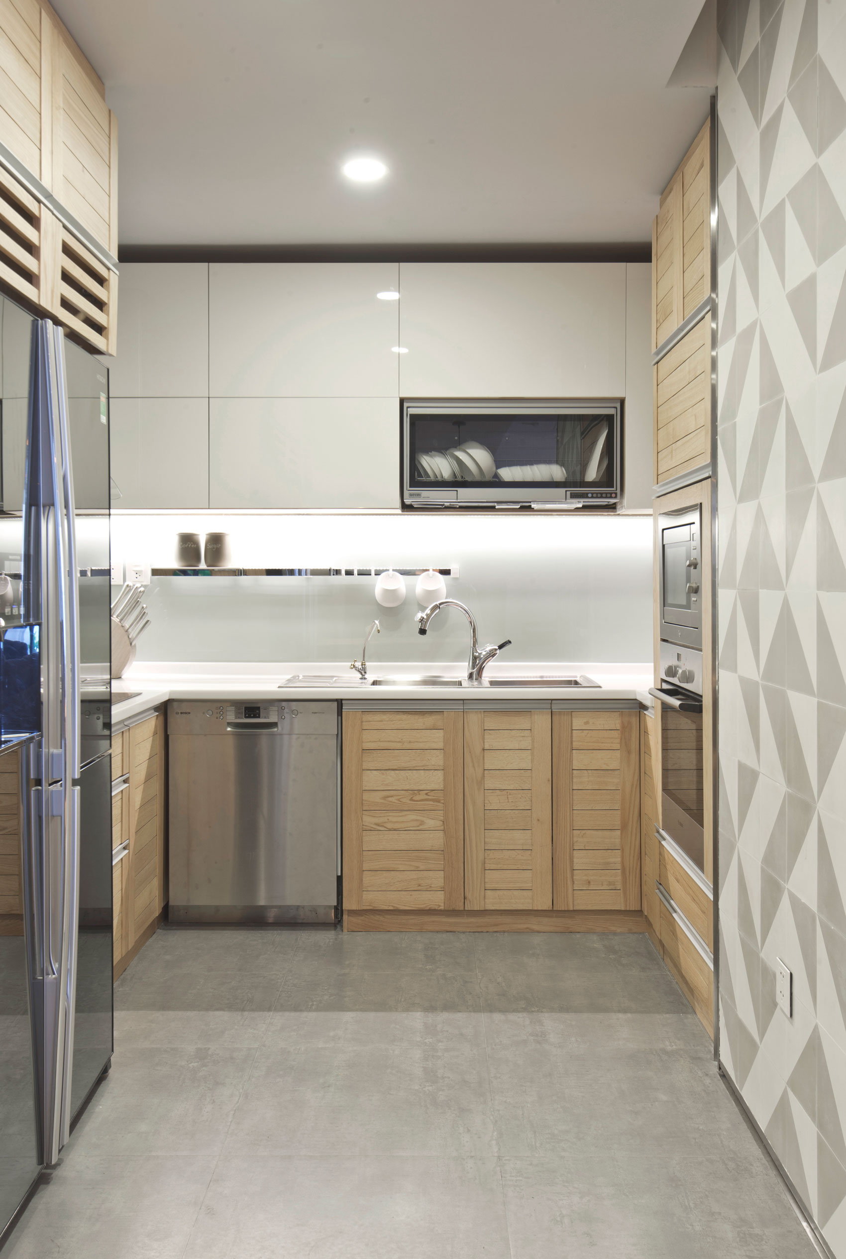 Modern SC Apartment in the Heart of Hanoi by Le Studio-05