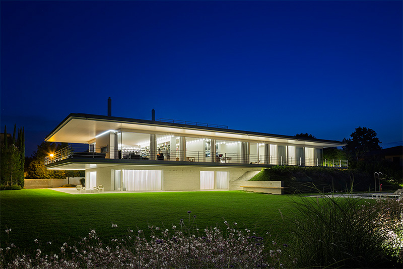 Modern Villa For a Couple with Three Children in Treviso by Zaetta Studio-03