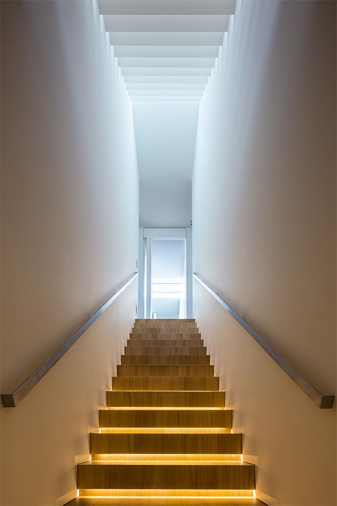 Modern Villa For a Couple with Three Children in Treviso by Zaetta Studio-12