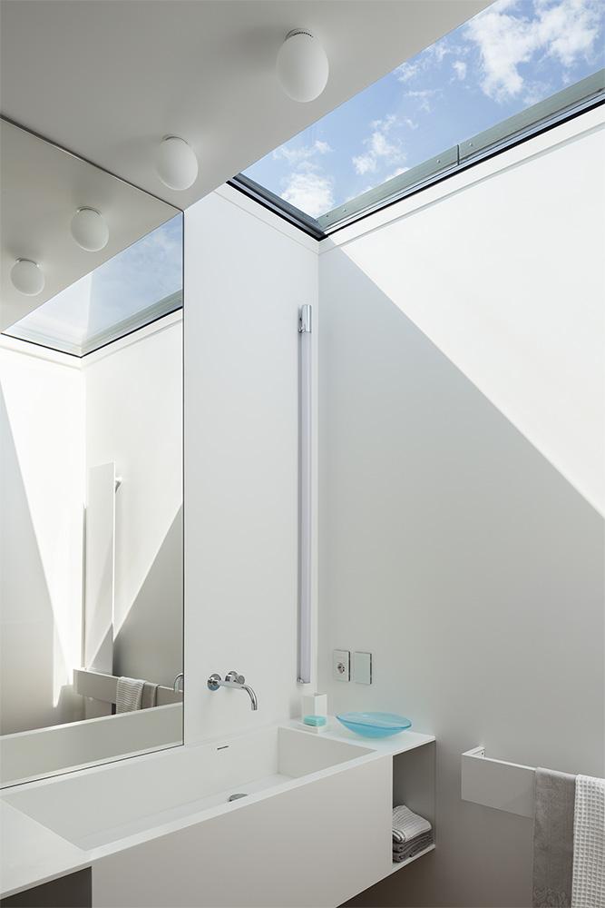 Modern Villa For a Couple with Three Children in Treviso by Zaetta Studio-16