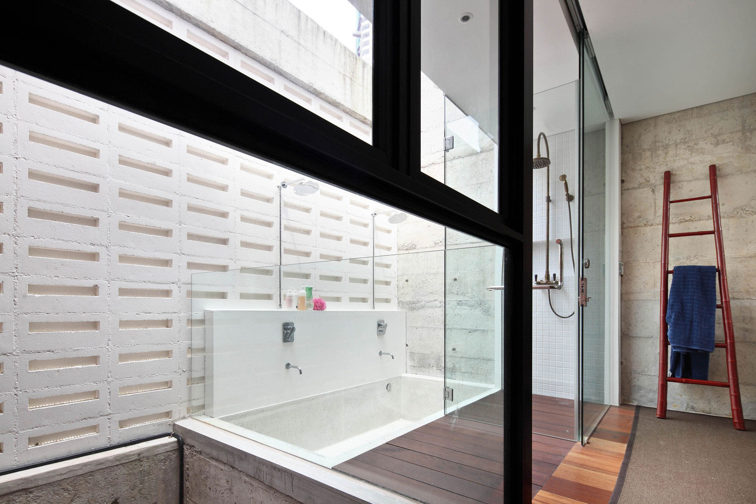 Neil Road Home with Traditional Peranakan bathroom