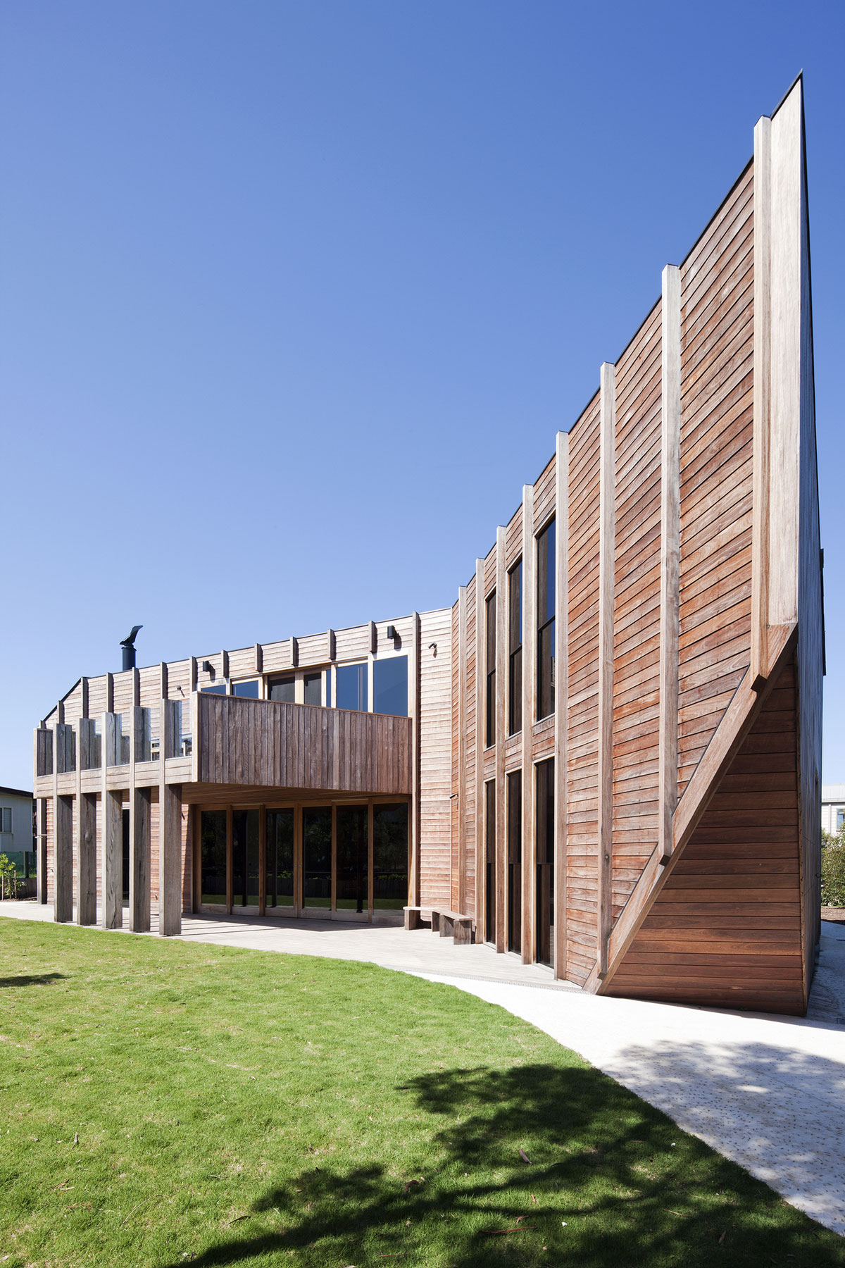 No Front or Back of Aireys House by Byrne Architects-04