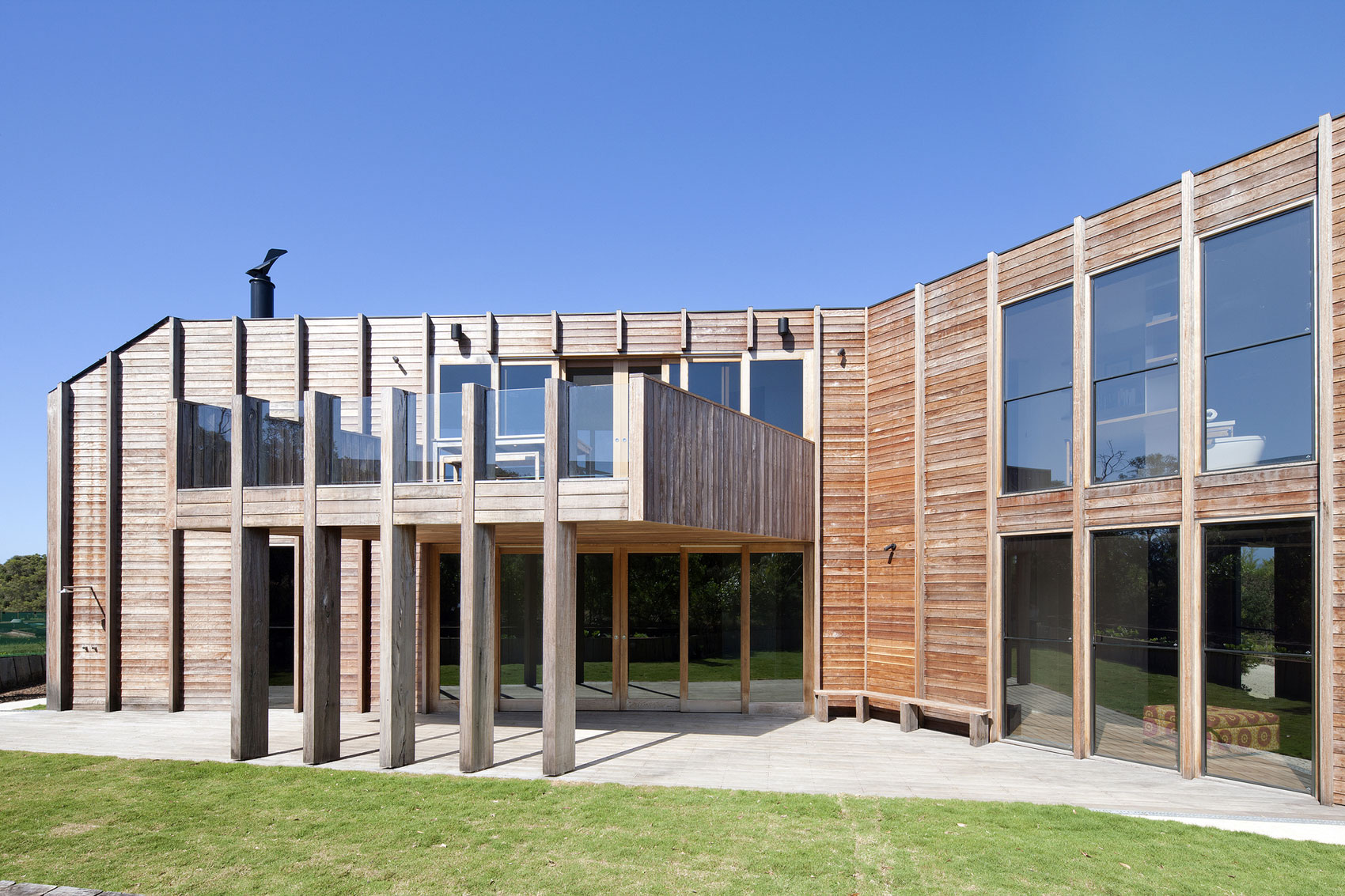 No Front or Back of Aireys House by Byrne Architects-05