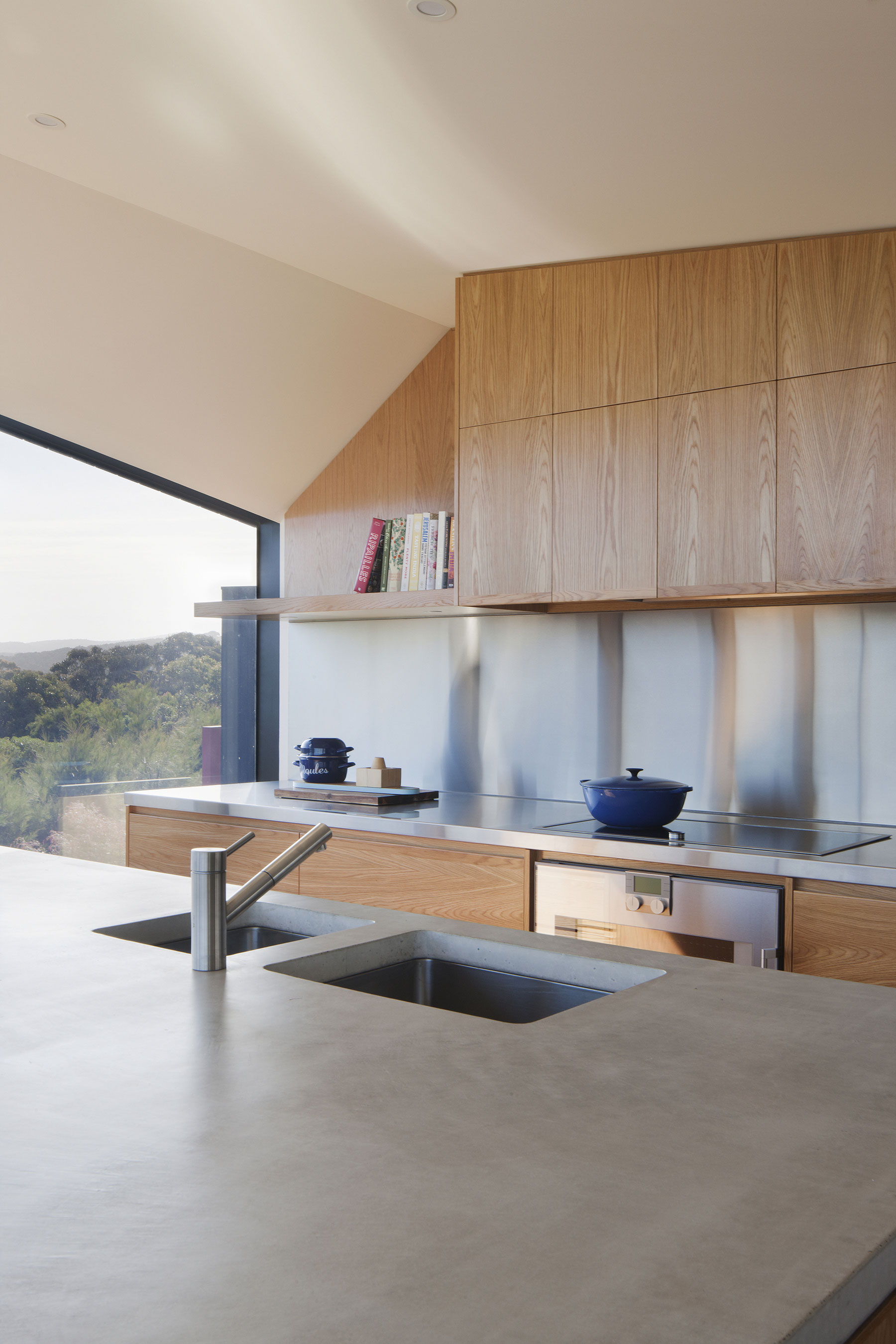 No Front or Back of Aireys House by Byrne Architects-08