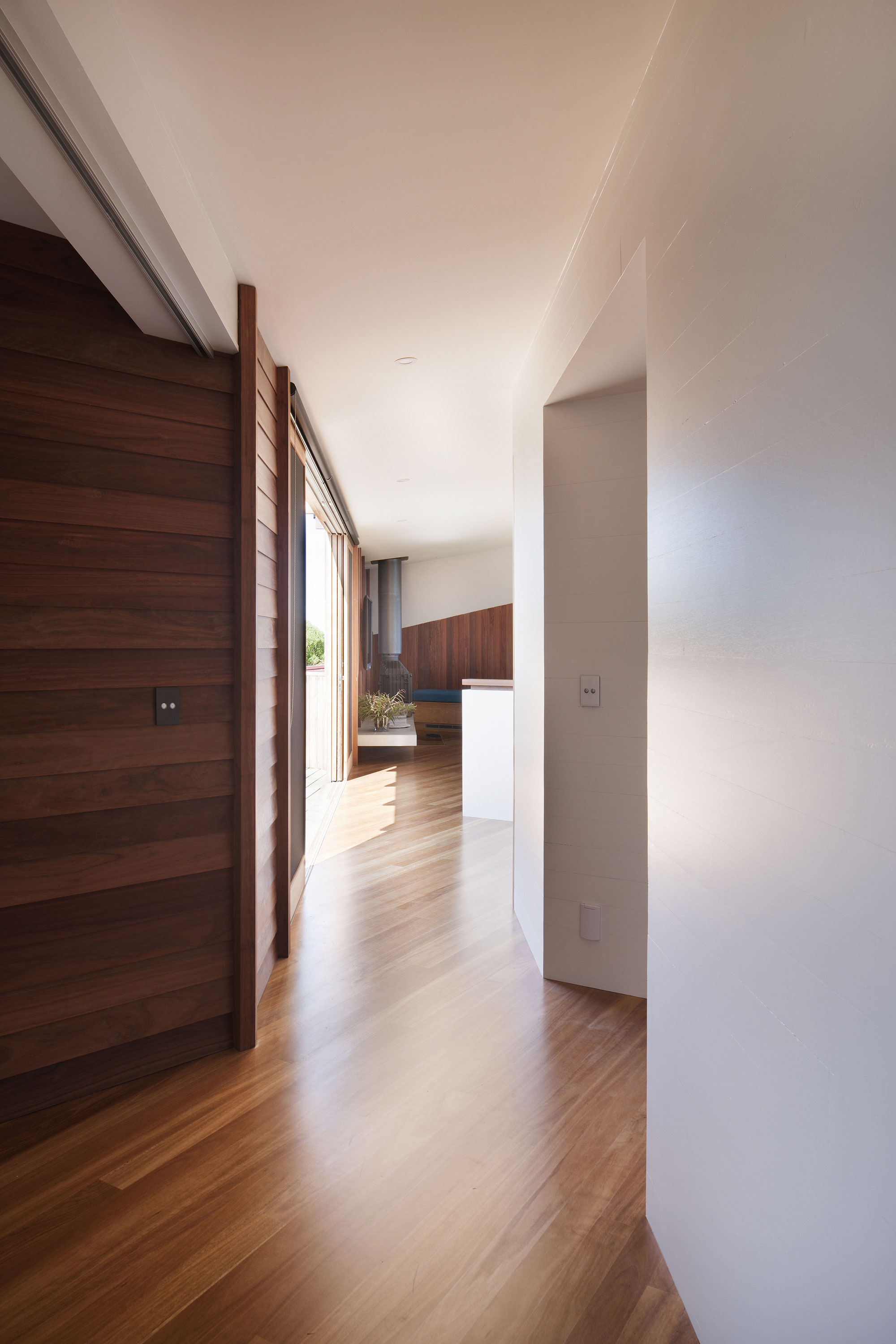 No Front or Back of Aireys House by Byrne Architects-09