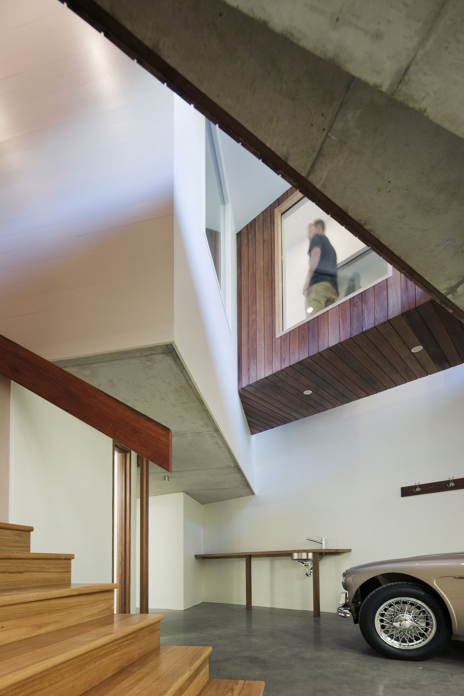 No Front or Back of Aireys House by Byrne Architects-10