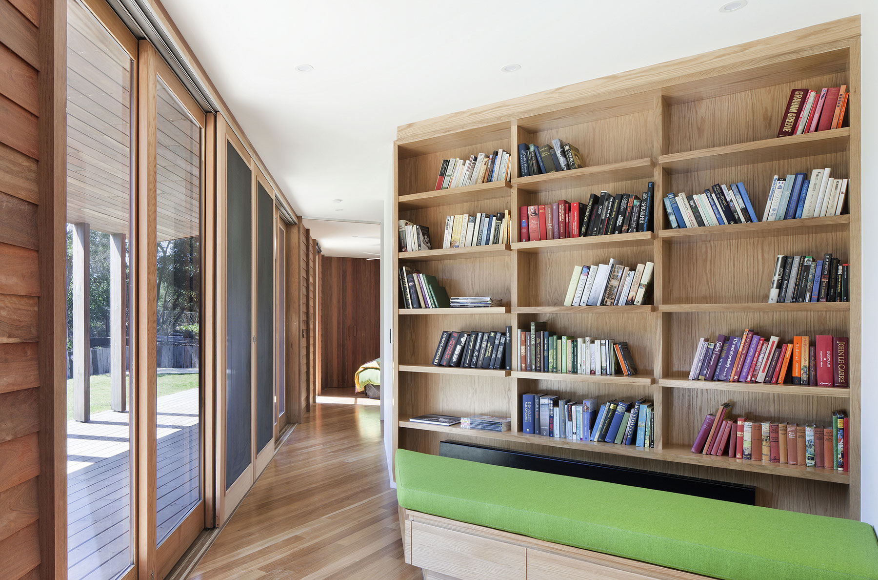 No Front or Back of Aireys House by Byrne Architects-11