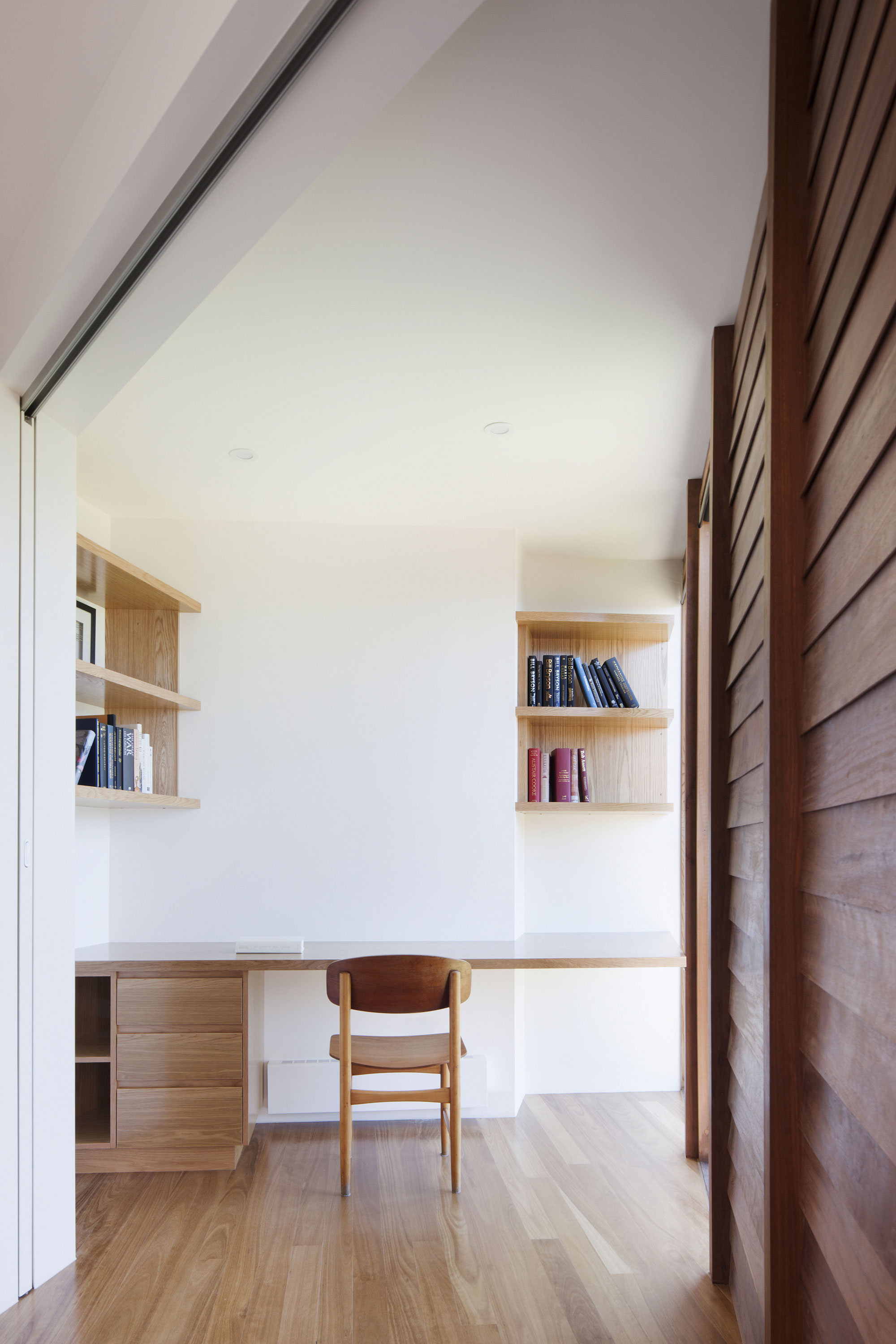 No Front or Back of Aireys House by Byrne Architects-12