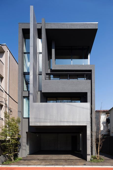 OKM 4 story building designed for a private residence and apartment in Tokyo by Artechnic-01