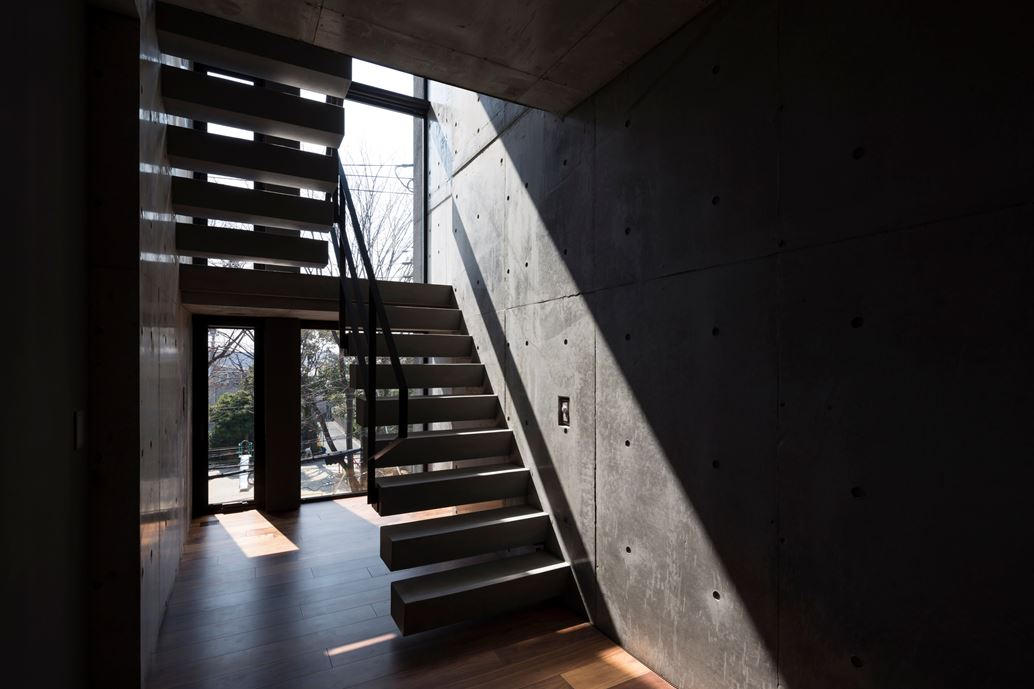 OKM 4 story building designed for a private residence and apartment in Tokyo by Artechnic-06