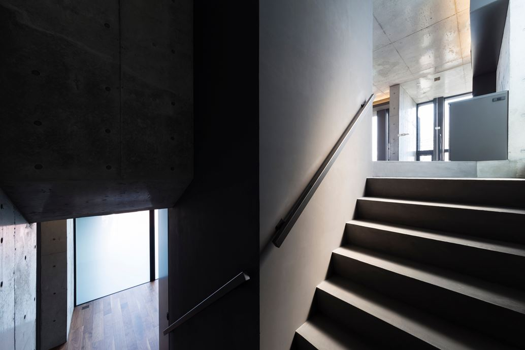 OKM 4 story building designed for a private residence and apartment in Tokyo by Artechnic-09