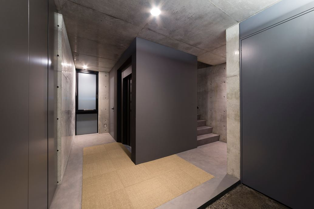 OKM 4 story building designed for a private residence and apartment in Tokyo by Artechnic-13