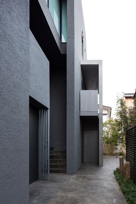 OKM 4 story building designed for a private residence and apartment in Tokyo by Artechnic-17