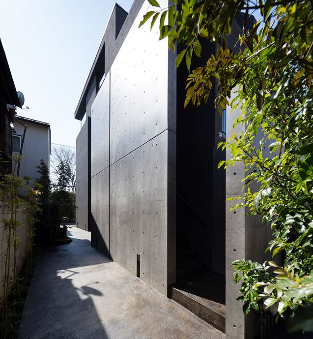 OKM 4 story building designed for a private residence and apartment in Tokyo by Artechnic-19
