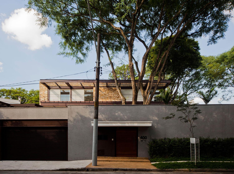 Pau Brasil House by Vasco Lopes Arquitetura-01